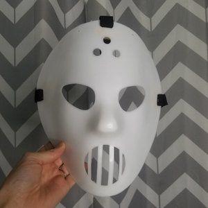 HALLOWEEN scary horror white mask